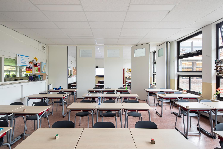 BREEDVELD P110g - mobiel wand met glas in klaslokaal