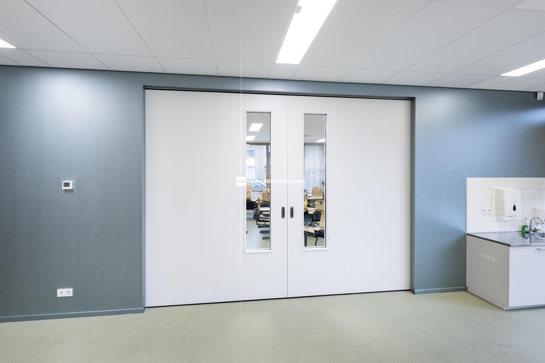 Schuifwand S110g middensluiting klaslokaal hoofdfoto -dicht